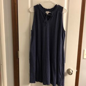 Sleeveless Jersey Dress with scalloped color